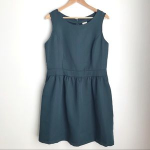 Merona structured green dress with pockets